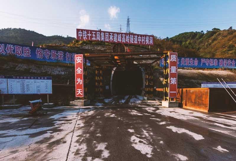 到广西贵港考察建筑模板厂家怎么走?