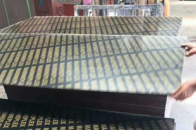 粘胶剂对于建筑模板生产的重要性