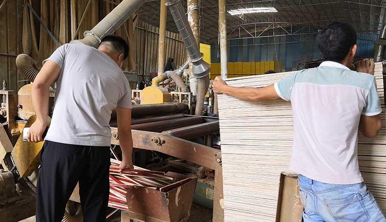 裁边机-建筑模板生产设备