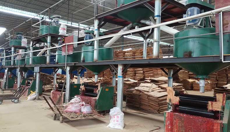 涂胶-建筑木模板生产设备