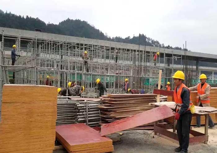 贵港工地在使用建筑模板